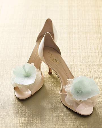 a popular online shoeclip shop features an array of vintage bridal